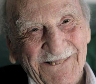 Desde Pigmalión nuestras más sentido pésame por la muerte del longevo Francisco Ayala, escritor casi inmortal, fallecido ayer a los 103 años